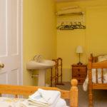 Overnight retreat Piine Suite bedroom washing area