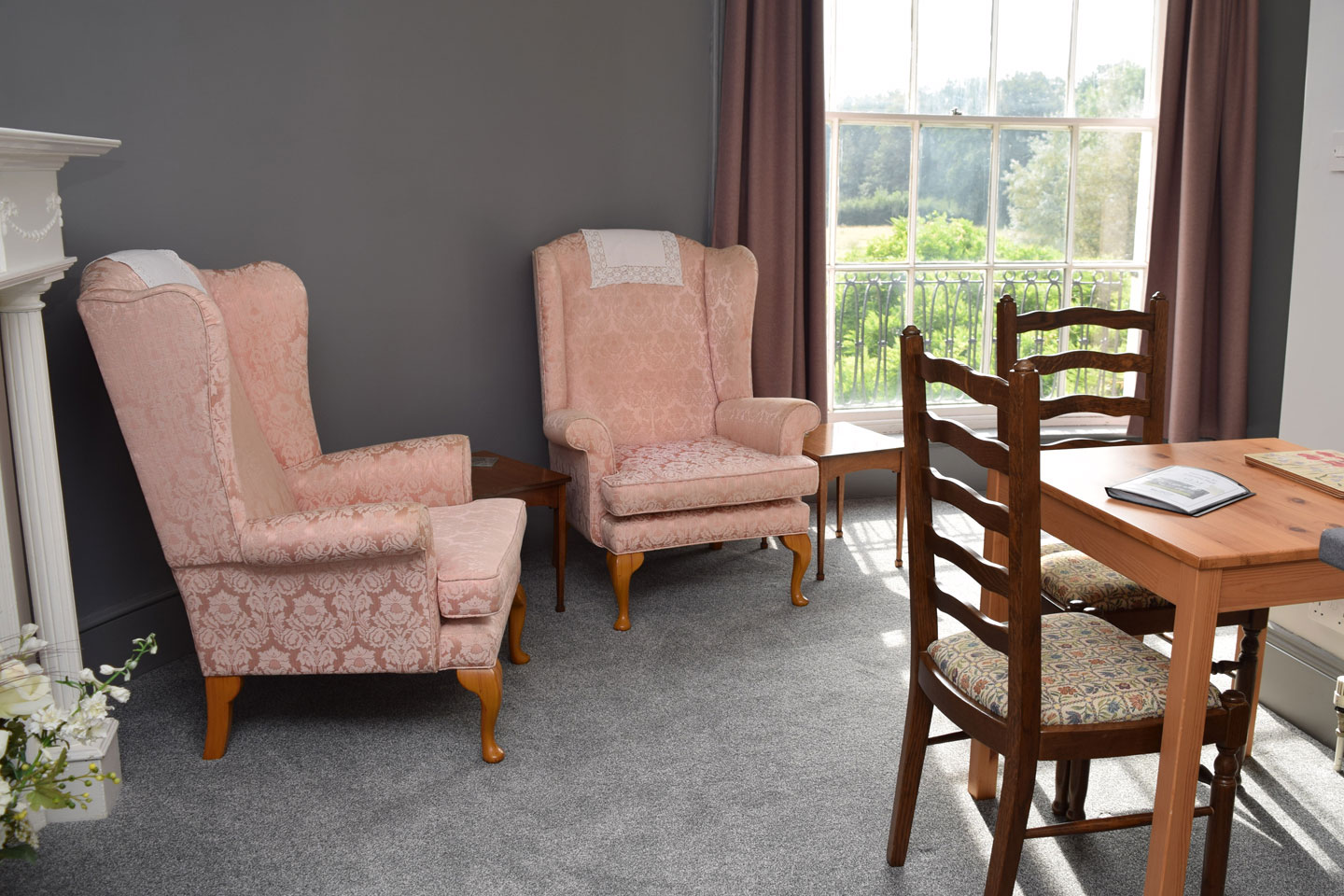 Elm Room – Dining and Living Area