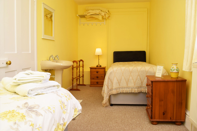Overnight retreat Piine Suite bedroom two beds